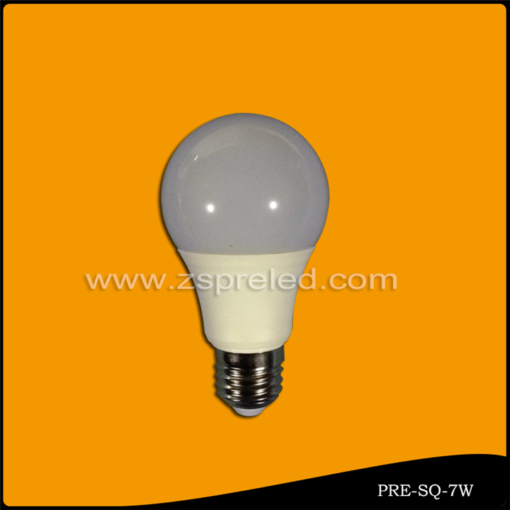 LED球泡 7W
